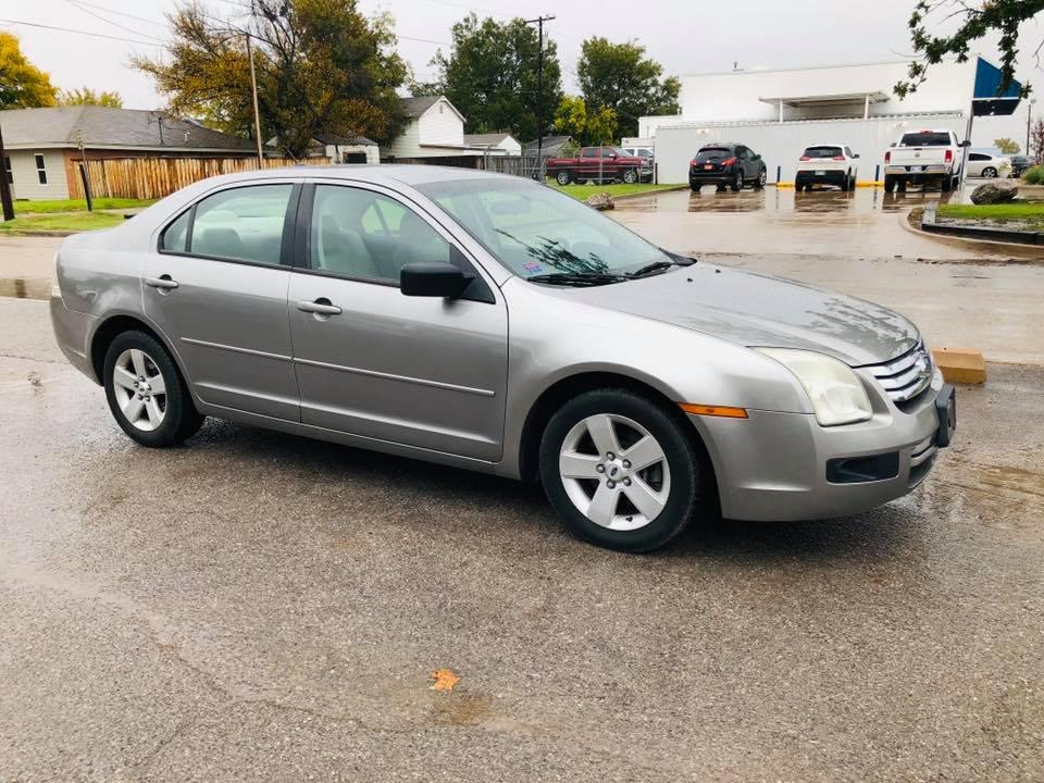 2008 Ford Fusion SE  $3,900