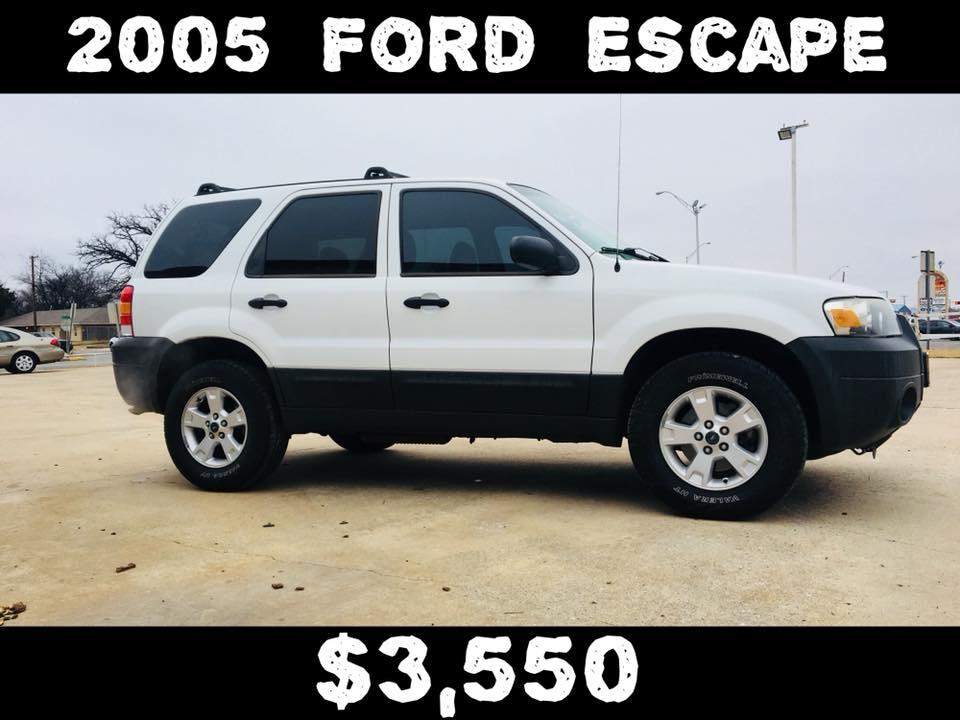 2005 Ford Escape  $3,550