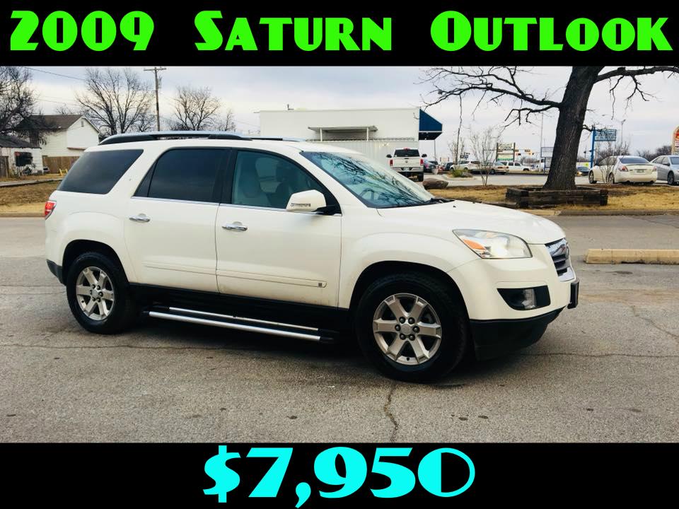 2009 Saturn Outlook XR  $7,950